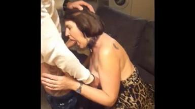 Une maman française ramène à la maison un gars de soirée