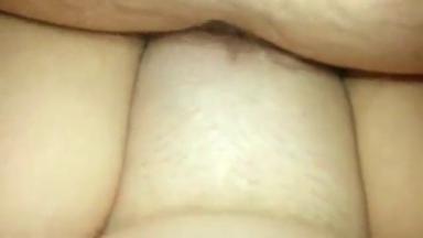 Creampie archi crémeux dans la chatte de sa femme